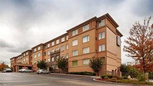 Best Western Plus - Hannaford Inn & Suites