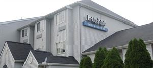 Bridgepointe Inn & Suites - Toledo/Perrysburg