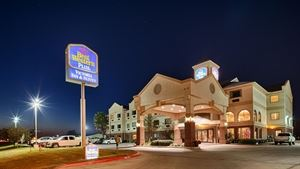 Best Western Plus - Victoria Inn & Suites