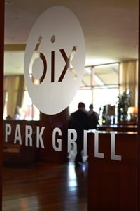 6ix Park Grill
