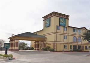 Quality Inn Near Seaworld – Lackland