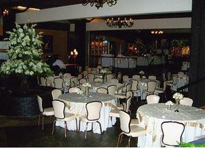 Parc England Hotel