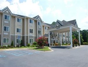 Microtel Inn & Suites by Wyndham Columbus North