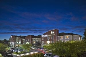 Best Western Plus - Navigator Inn & Suites