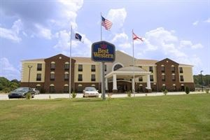Best Western Plus - Bass Hotel & Suites