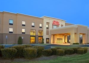 Hampton Inn & Suites Hartford-Manchester