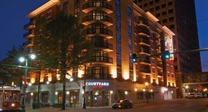 Courtyard Memphis Downtown