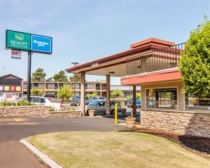 Quality Inn & Suites Airport