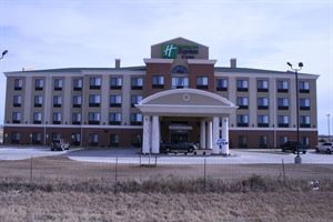Holiday Inn Express & Suites Pratt