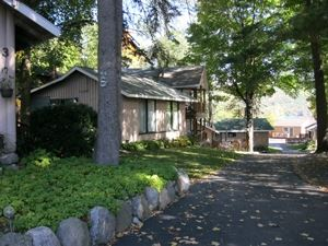 The Balsam Motel and Cottages