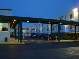 O'Hare Inn and Suites