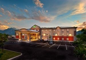 Holiday Inn Express & Suites Minden
