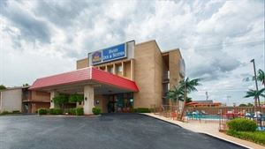 Best Western - Oasis Inn & Suites