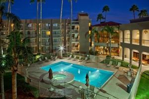 Best Western Plus - Scottsdale Thunderbird Suites