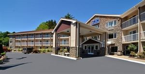 Best Western Plus - Landmark Inn