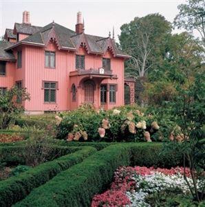 Roseland Cottage Gardens