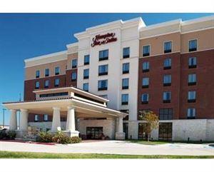 Hampton Inn & Suites Dallas/Lewisville-Vista Ridge Mall, TX