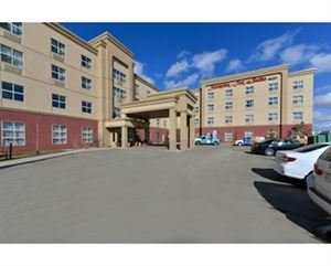 Hampton Inn & Suites by Hilton Edmonton International Airport