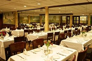 LouCas Restaurant