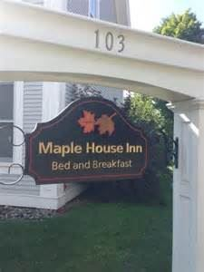 Maple House Inn Bed & Breakfast