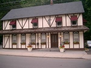 The Claremont Tavern