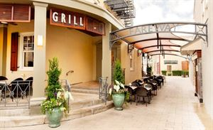 Chestnut Grill and Sidewalk Cafe