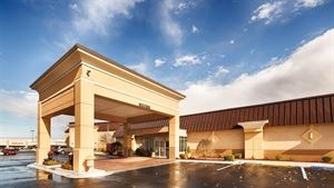 Best Western Plus - Bridgeport Inn