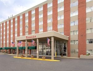 Ramada Milwaukee Downtown