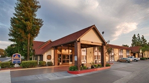 Best Western - Town & Country Lodge