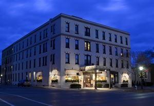 Penn Wells Lodge & Hotel