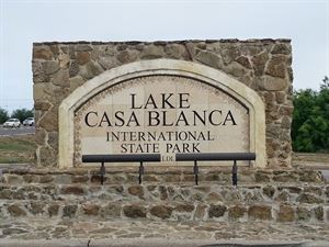 Lake Casa Blanca International State Park