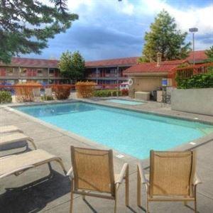 Three Sisters Inn & Suites of Bend