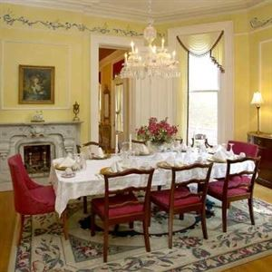 DuPont Mansion Bed & Breakfast