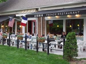 Aixois French Bistro