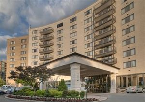Clarion Collection Hotel Arlington Court Suites