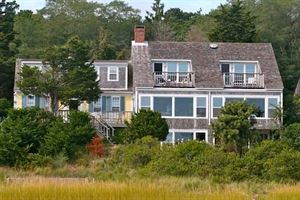 Aunt Sukie's Bayside Bed and Breakfast