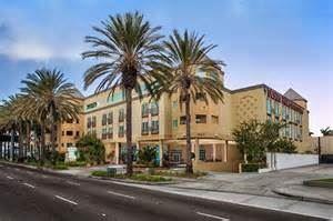 Anaheim Desert Palms Hotel & Suites
