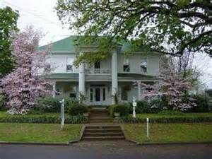 Thee Hubbell House Bed & Breakfast