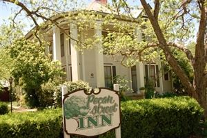 Pecan Street Inn Bed & Breakfast