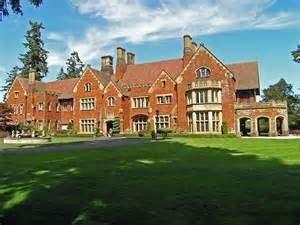 Thornewood Castle Inn & Gardens